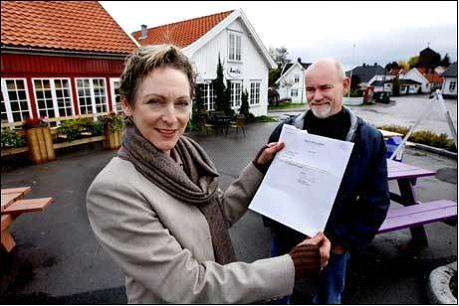 Norweigan citizens whose daughter borrowed money from Obama